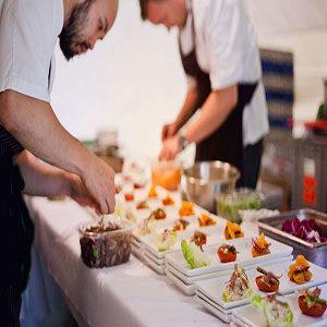 Servicio de catering y banquetería